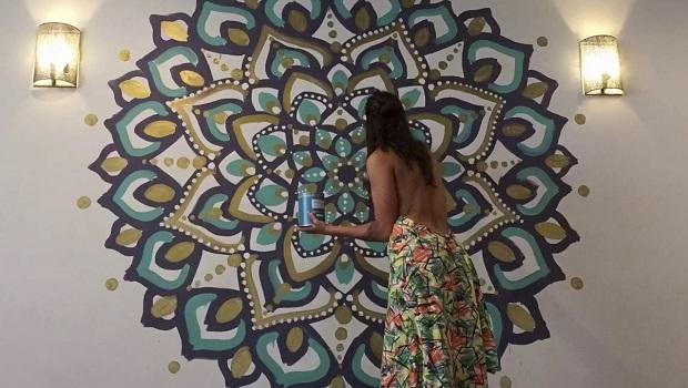 Es muy complicado pintar un mandala en la pared