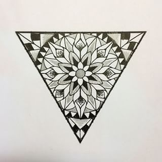 Mandala triangular