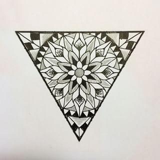 Mandala triangular