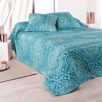 Decora tu dormitorio con colchas mandalas