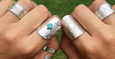 Descubre los anillos mandalas artesanales más coloridos y originales. Anillos de plata y oro.