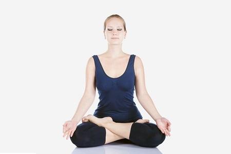 La postura del loto o Padmasana