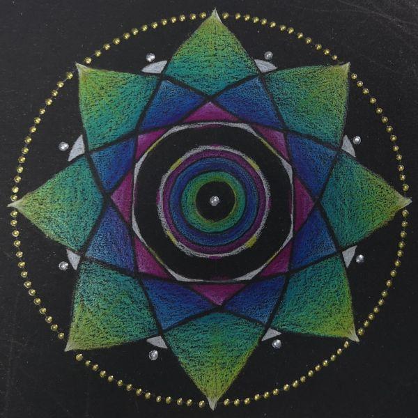 mandala coloreada con forma de flor