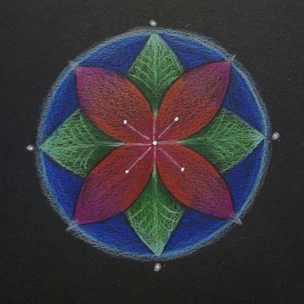 mandala coloreada flor de cuatro petalos